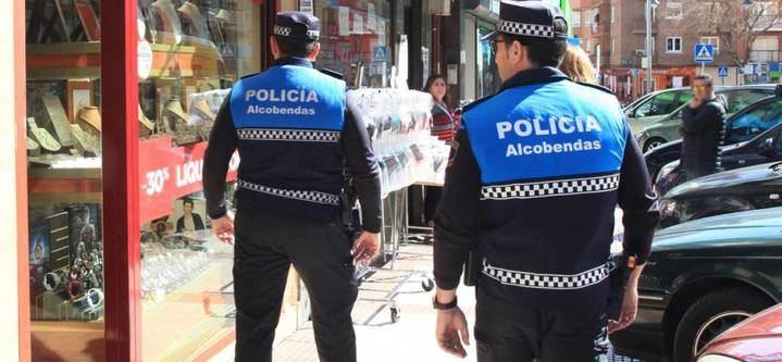 Más de 50 agentes diarimanente patrullan este verano el municipio y las urbanizaciones