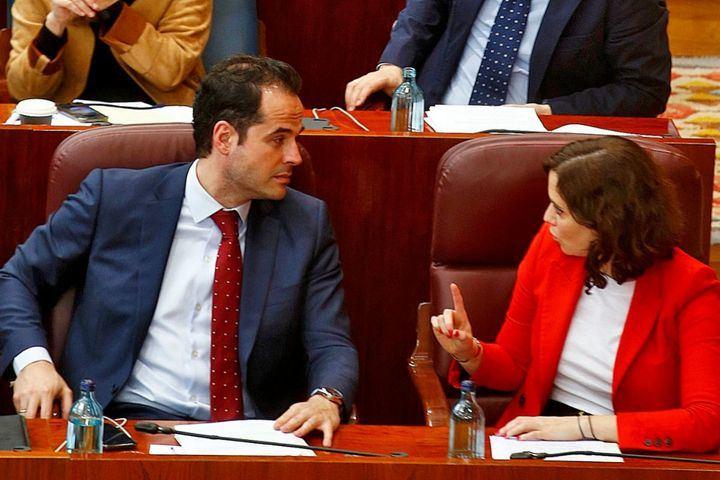 Madrid estudia pagar 'temporalmente' la cuota a los autónomos afectados por la crisis