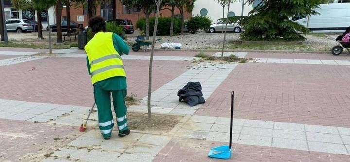 Alcobendas contrata a parados mayores de 50 para acondicionar las calles ante la desescalada