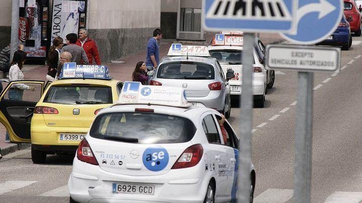 Las autoescuelas de la Comunidad de Madrid reabren con cambios
