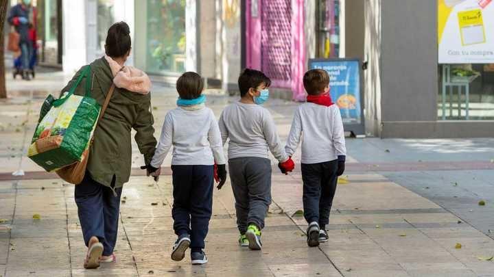 Desconfinamiento de los niños: cómo quitarles el miedo y qué debemos explicarles antes de volver a salir a la calle