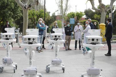 El Ayuntamiento entrega al Hospital 12 de Octubre cinco nuevos respiradores donados por la Fundación Humanitaria A.G.H