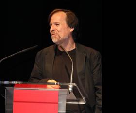 Imagen del fotógrafo americano en el momento que recibió el galardón en Alcobendas. Año 2009