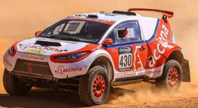 Sanse expone el primer coche eléctrico que compite en el Rally Dakar