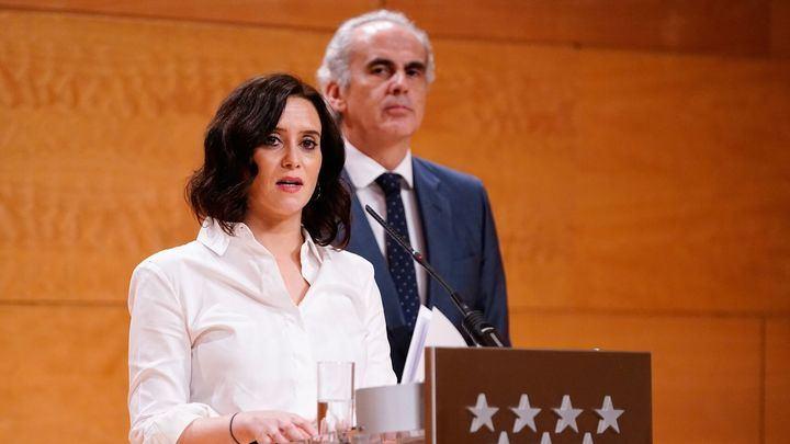 Ayuso pide por carta a Sánchez material sanitario para hacer frente al Covid-19