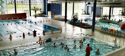 Imagen de las piscinas que miles de usuarios utilizan en la  ciudad deportiva Valdelasfuentes de Alcobendas