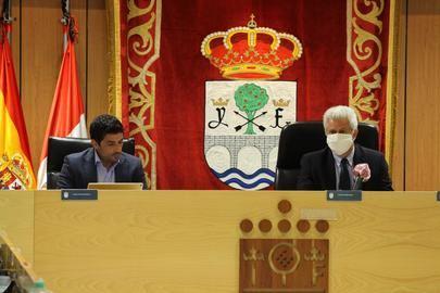 El Gobierno municipal explica su gestión al frente de la crisis sanitaria y convoca a todos los partidos a un Pacto de Ciudad