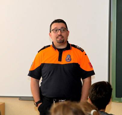 Nociones a escolares y profesores sobre cómo actuar en situaciones de emergencia