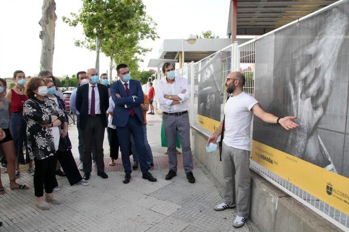 Expuestas al aire libre las 50 fotografías de ciudadanos de Alcobendas realizadas durante el confinamiento