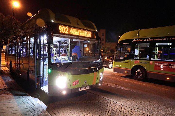 Madrid presta autobuses a los militares para trasladar a enfermos