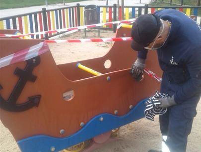 El Ayuntamiento de Sanse desinfecta y realiza mejoras en las infraestructuras de sus 164 áreas infantiles