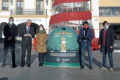 Los Ayuntamientos de Sanse, Alcobendas y Ecovidrio intercambiar vidrio por alimentos