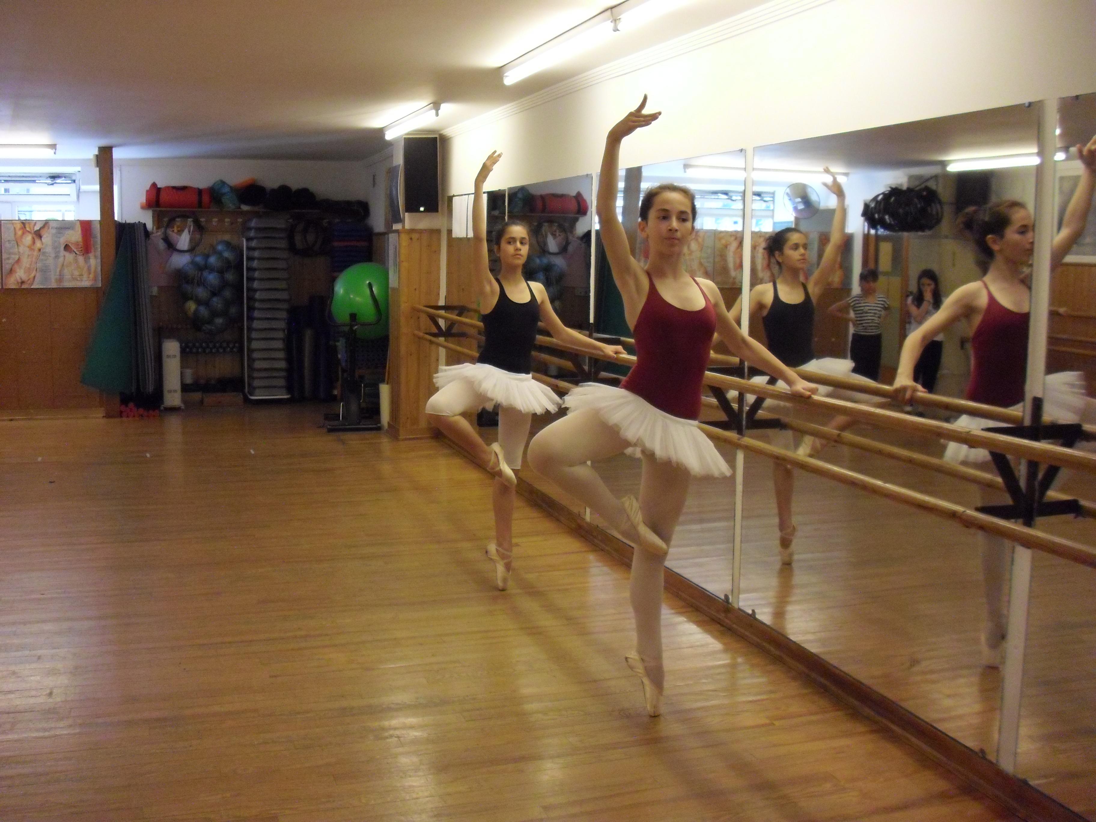 Preinscripci n y matr cula para la escuela de m sica for Escuela danza san sebastian de los reyes