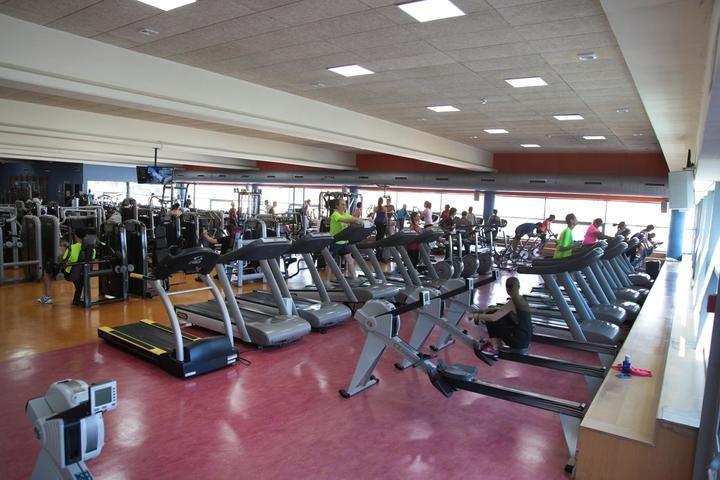 La sala de fitness de Valdelasfuentes se traslada a una carpa exterior