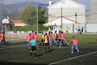 Imagen del partido de ayer disputado en el campo municipal de El Chopo y realizada por el Club Deportivo Galapagar.