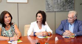 De Izquierda a derecha, Eva Carrasco, directora cient�fica y general Grupo Geicam, Mar Rodr�guez, Concejala de Deportes y Jorge Liebana, Gerente de FUNDAL