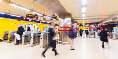 Metro de Madrid reabre 115 accesos de estaciones cerrados durante la crisis sanitaria y recuperará su horario en la fase 2