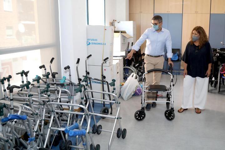 Banco de materiales para personas mayores en Alcobendas