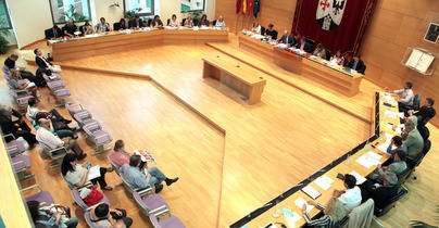 Abstención del PSOE y rechazo de Si Se Puede y IU a la Unidad de España
