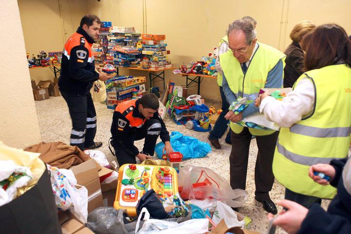 Recogida solidaria de juguetes y alimentos