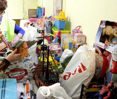 Alcobendas recoge de sus vecinos 8.000 juguetes y 7 toneladas de alimentos