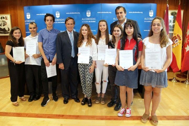 Una alumna del Liceo Europeo reconocida como mejor estudiante de Alcobendas
