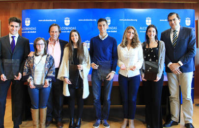 Reconocimiento del Ayuntamiento a los mejores alumnos de 2015