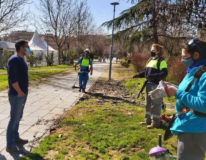Alcobendas recicla los restos de ramas y árboles caídos o podados tras el paso de Filomena