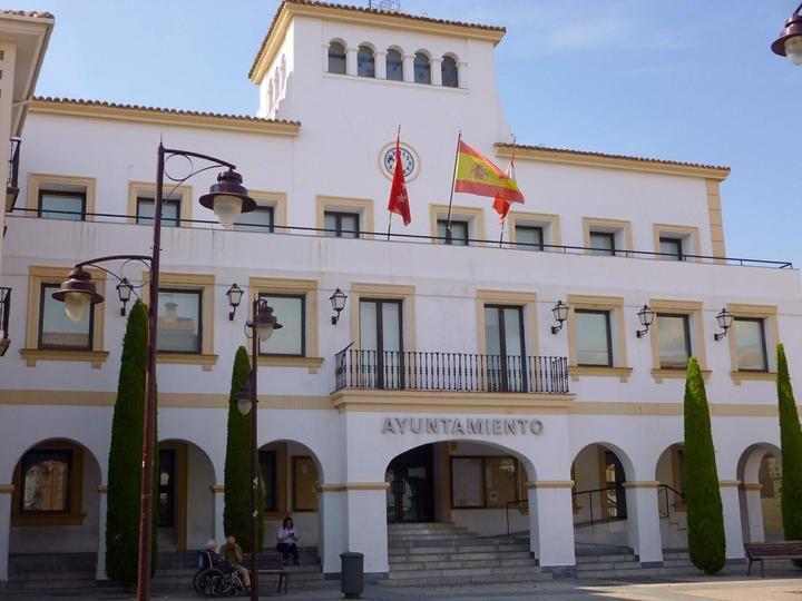 El Ayuntamiento de San Sebastían de los Reyes activa un plan de desinfección de zonas urbanas críticas