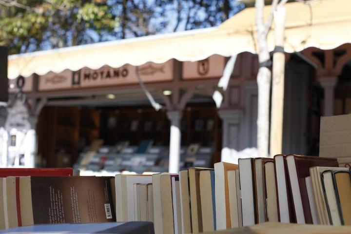 El Ayuntamiento de Madrid exime a los libreros de la cuesta de Moyano de pagar el canon durante el estado de alarma
