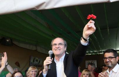 Ángel Gabilondo visita Alcobendas para celebrar el 40 aniversario de la Constitiución