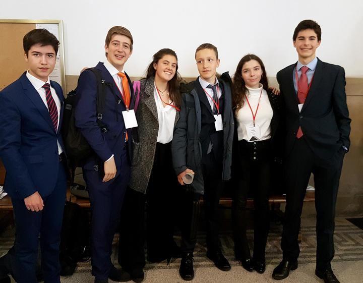 Alumnos del Liceo Europeo se clasifican para la Fase Nacional del Parlamento Europeo de los Jóvenes