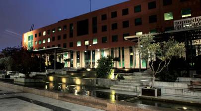 Imagen de la fachada del Ayuntamiento de Alcobendas el año 2016 cuando se sumo a la Hora del Planeta 2017