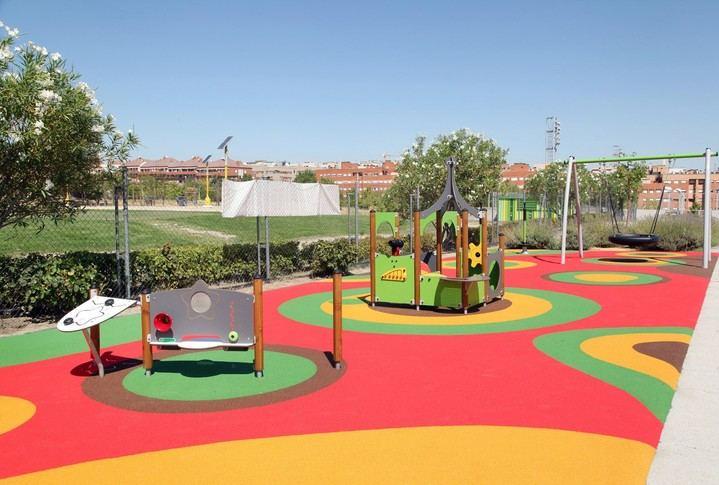 Imagen mandada por el Ayuntamiento y donde se ve la nueva zona infantil puesta en  marcha