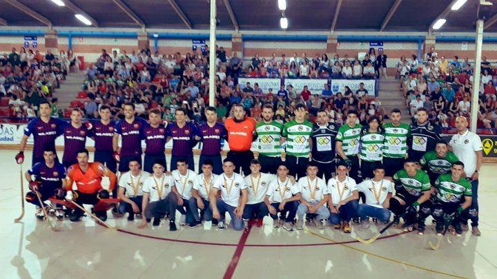 Foto realizada por el Club Patín Alcobendas con los equipos iniciales