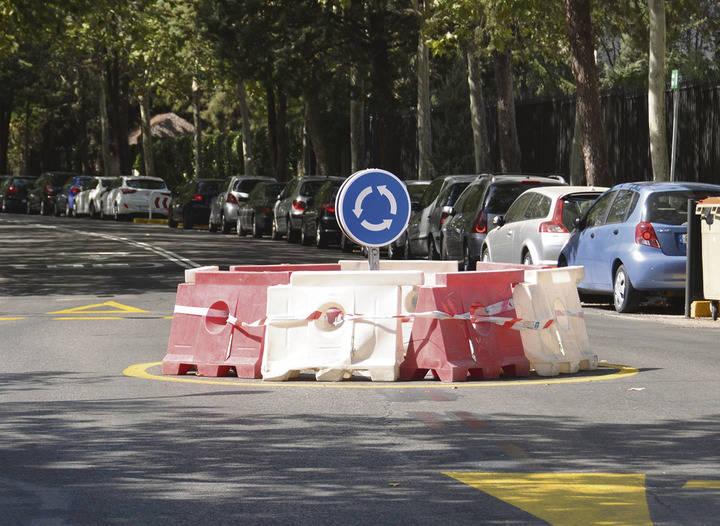 Actuaciones para reducir la velocidad en la calle Begonia