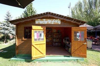 El lunes 1 de julio empieza a dar servicio la Bibliopiscina en la piscina municipal de Alcobendas