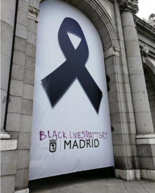 Más de 3.000 personas se manifiestan en Madrid sin respetar la distancia de seguridad