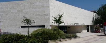 Imagen del centro cívico Ánabel Segura donde se celebrará la Junta Municipal del distrito Urbanizaciones