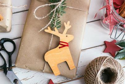 Concurso de adornos navide�os con material reciclado