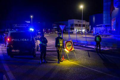 La Policía Nacional detiene a un conductor que se dio a la fuga en un control policial con un vehículo robado