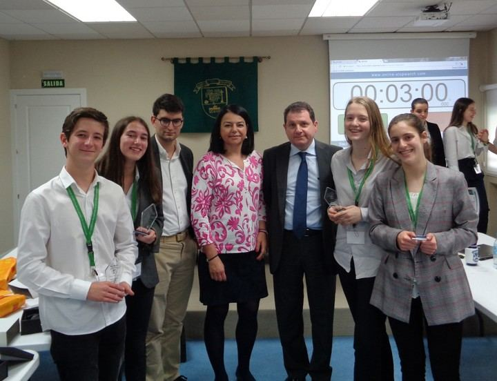 Más de 60 alumnos de Los Sauces participan en el I Torneo de Debate 'Gonzalo Otero'