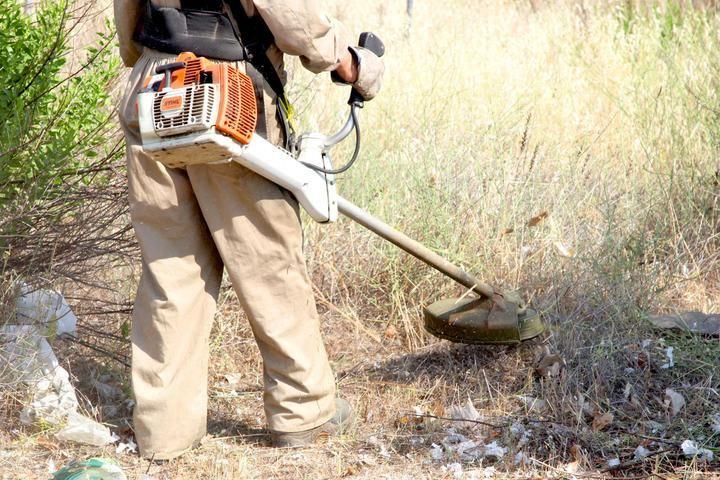 Desbroce de casi 50 parcelas municipales de Alcobendas para evitar posibles incendios