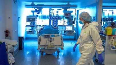 Madrid registra un repunte de casos y de ingresos en UCI por coronavirus, pero bajan las muertes