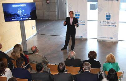 Imagen de la presentación del proyecto Eco Bulevar Digital que realizó el equipo de gobierno en la Fundación Metrópoli, adjudicataria del proyecto