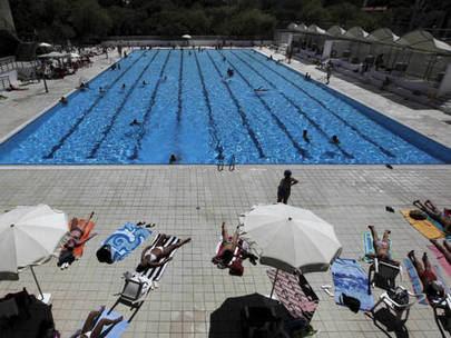 Reaperturas de piscinas recreativas