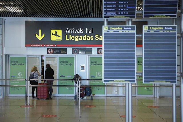 La Comunidad de Madrid insiste en pedir a sanidad PCR a turistas