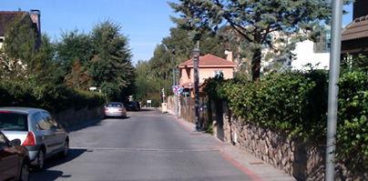 La urbanización de Fuente Hito se ha convertido en un aparcamiento