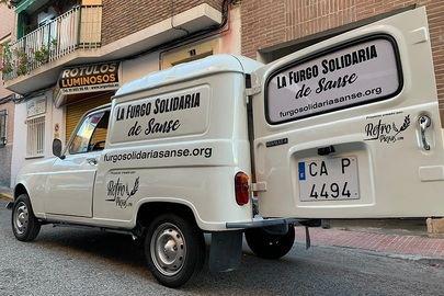 Los vecinos de Sanse organizan una 'furgoneta solidaria'
