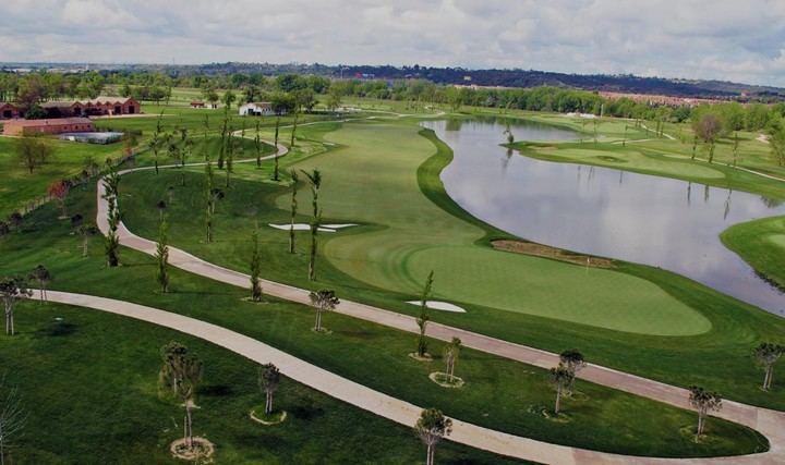 Imagen del campo 3 del Club de Golf La Moraleja situado en el Soto de Mozanaque (Algete)